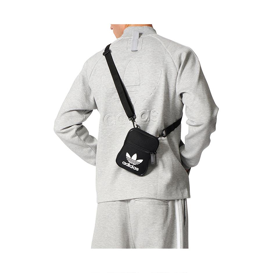 ... Adidas Originals Trefoil Festival Bag 60b2ea0ba525c