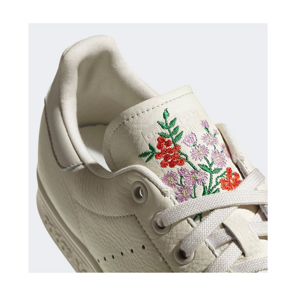 cheaper c6643 f0b5e ... Adidas Originals Stan Smith Shoes, Chalk White ...