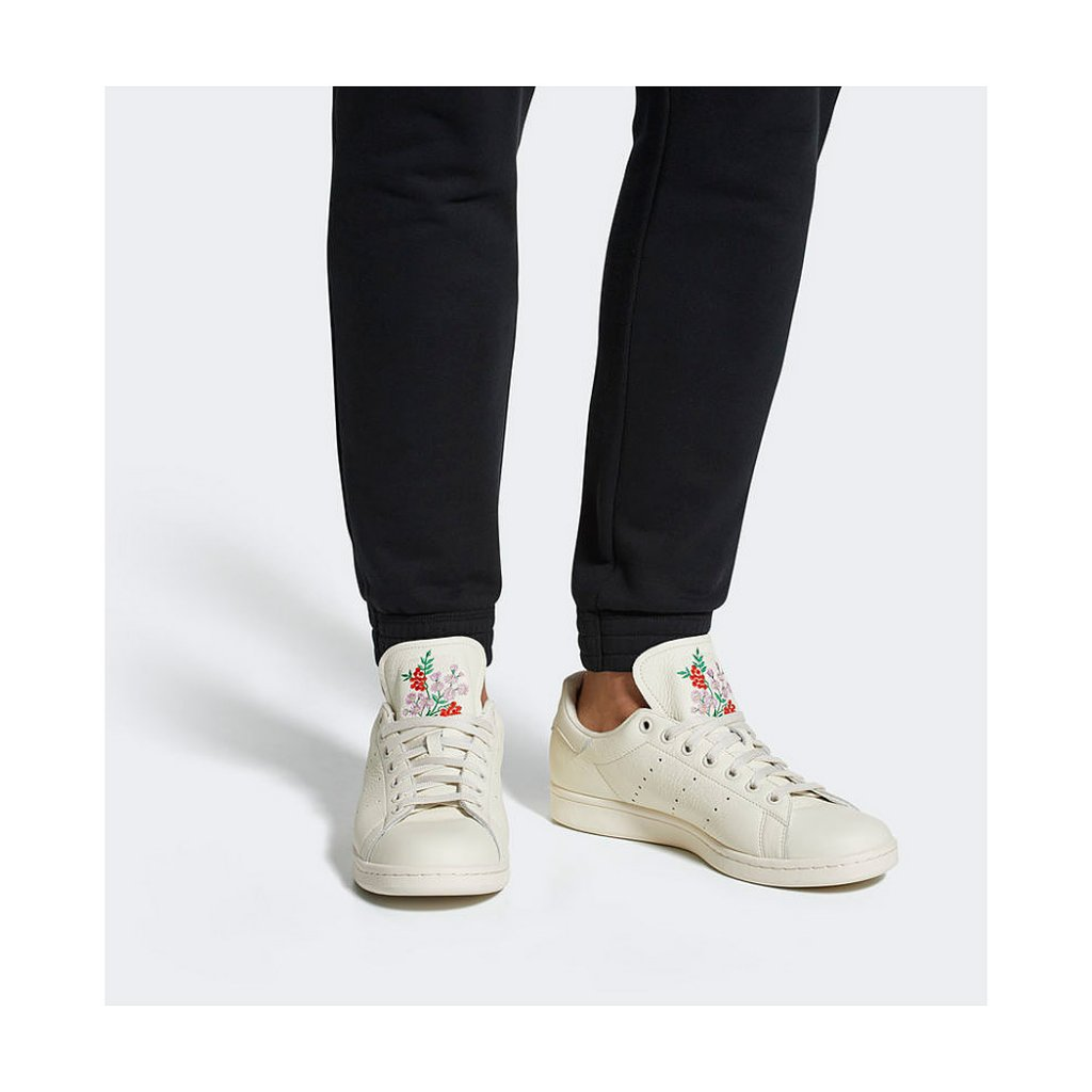 Adidas Originals Stan Smith Shoes, Chalk White